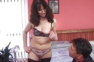 mature milf in stockings gets a good fuck